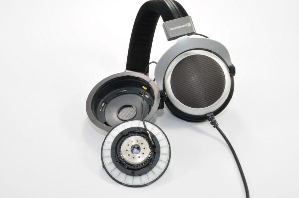 Beyerdynamic T90 Over-Ear Headphones Inside