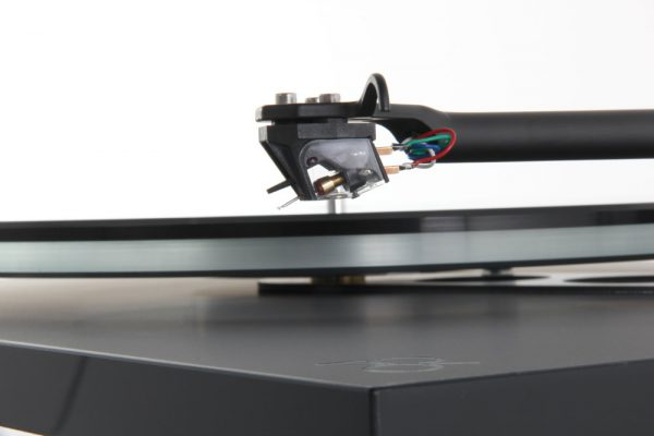 Rega Planar 6 Turntable Ania MC