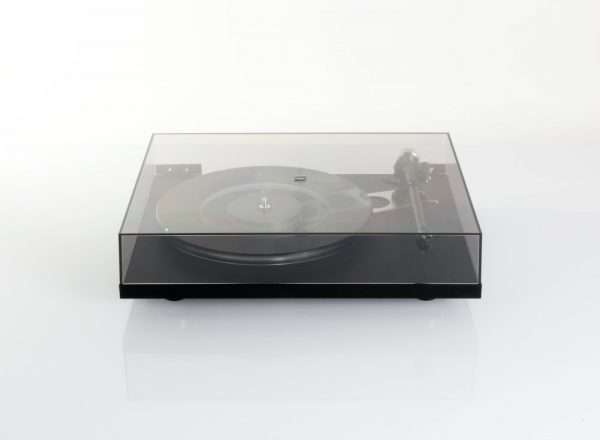 Rega Planar 6 Turntable lid closed